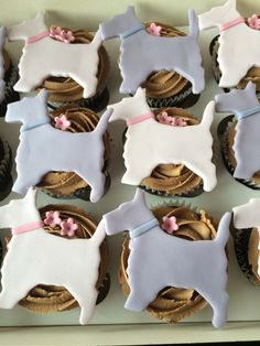 Radley cupcakes by Danielle's homemade cakes #cupcakes #radley #danielleshomemadecakes