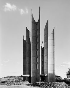 Monument to the Voortrekkers, Winburg, Orange Free State. 27 December 1990  / Photographed by David Goldblatt