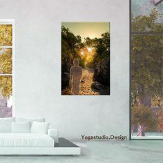 Wanddeko Bild Buddha walking into the Light Wanddeko Bilder mit Buddha Foto Motiven schaffen eine ruhige und entspannte Wohnraumatmosphäre.