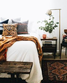 Love the coffee accents in this bedroom. Serene and earthy.