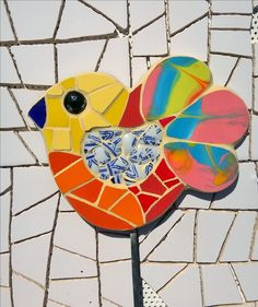 Tutor pájaro mosaico Mosaic Tile Art, Mosaic Glass, Glass Art, Mosaic Animals, Mosaic Birds, Painted Rock Animals, Painted Rocks, Garden Deco, Garden Art