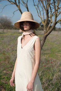 f0b01def08e Items similar to Fahionable bucket straw hat