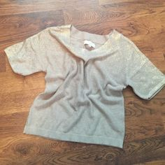 🚧LOFT short sleeve sweater Touches of gold around the neckline and sleeves and then gives an ombré look into the rest of the sweater. Soft cotton! LOFT Tops