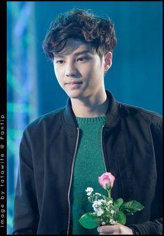 Can i get the flower? Bank Thiti, Dream Boy, Actor Model, Handsome Boys, Boyfriend Material, My Eyes, Thailand, It Cast, Singer