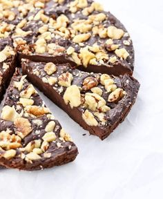 How to make Paleo Brownies that are grain, gluten, and dairy-free! Fudgy, delicious brownies are great as a dessert or snack! Paleo Brownies, Marshmallow Brownies, Chocolate Fudge Cake, Flourless Chocolate Cakes, Raw Chocolate, Chocolate Squares, Chocolate Toffee, Chocolates, Cake Truffles