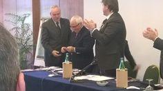 Franco Arabia - Presidente uscente - riceve la nomina a Presidente Onorario ADA, con tessera n°25
