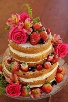 Naked Cake - Doces Penélope Pretty Cakes, Beautiful Cakes, Cupcakes, Cupcake Cakes, Deco Candy Bar, Bolos Naked Cake, Celebration Cakes, Snack, Cake Designs