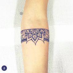Pin by gabby jeffers on mandala tattoos dövme fikirleri, dövme, dövme tasar Trendy Tattoos, Mini Tattoos, Body Art Tattoos, New Tattoos, Sleeve Tattoos, Tattoos For Women, Cool Tattoos, Tatoos, Tatoo Henna