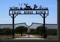 Metal Driveway Gates, Metal Gates, Front Gates, Entrance Gates, Farm Entrance, Entrance Ideas, Gate For Home, Farm Gate, Ranch Remodel
