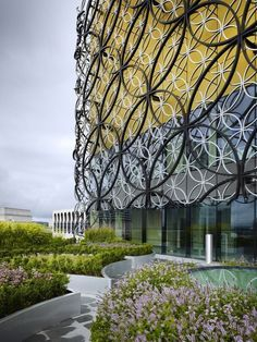 Interesting facade, Library of Birmingham, West Midlands, England. Architect: Mecanoo, photo by Christian Richters Art Et Architecture, Beautiful Architecture, Architecture Details, Ronchamp Le Corbusier, Birmingham Library, Building Facade, World Photo, Facade Design, Interior And Exterior