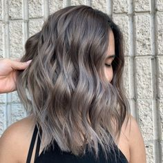 winter hair color Very Light Ash Brown Waves Caribbean Stud Poker: How to Play Cari Ash Brown Hair Balayage, Brown Hair With Silver Highlights, Light Ash Brown Hair, Ashy Hair, Ash Brown Hair Color, Brown Blonde Hair, Hair Highlights, White Highlights, Silver Blonde