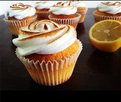 Sitroncupcakes med marengs - Cakeplease