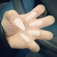Pointed nails = new trend