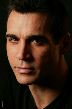 Adrian Paul. Who will be at the motor city comic con!!!