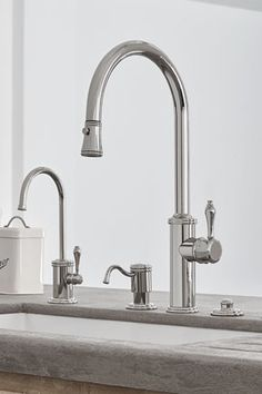 Davoli Pull-Down Kitchen Faucet with 42 Series standard lever, in Polished Nickel (PVD) finish