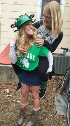 Big and little Sorority life Alpha phi University of Delaware UD  U of D Saint pattys St Patrick's day Drinking