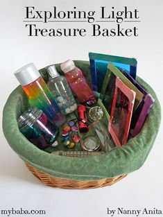 Exploring light with this treasure basket is a great way to help children develop the scientific curiosity and discover how light works. Nursery Activities, Sensory Activities, Infant Activities, Activities For Kids, Activity Ideas, Baby Treasure Basket, Up To My Eyes, Diy Montessori Toys, Sensory Lights