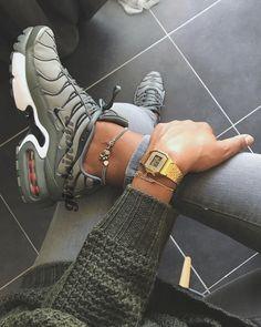 "769 Likes, 8 Comments - Airmax, Jordans, Sneakergirls. (@girlsinair_) on Instagram: ""#girlsinair One of them. #nikeair #airmax Camo. Picture by @miiya._ 😀 #streetwear #camo"""
