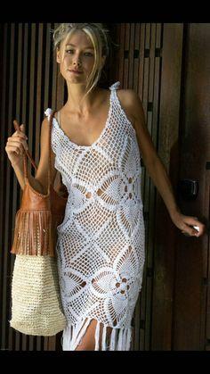 Vestido de camiseta Bianca crochet con detalle de flecos