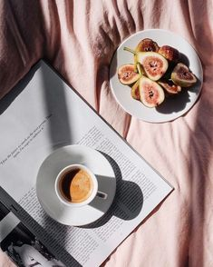 Many people assume that it is easy to make a pot of coffee. Coffee is actually. Coffee Break, Coffee Time, Coffee Cups, Morning Coffee, Coffee Mornings, Morning Sun, Morning Light, Saturday Morning, Coffee Photography