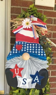 Gnome Door, July Crafts, Porch Decorating, Door Hangers, July 4th, 4th Of July Wreath, Gnomes, Christmas Stockings, Farmhouse Decor