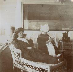 Empress Alexandra Feodorovna of Russia. Alexandra Feodorovna, Familia Romanov, Grand Duchess Olga, Russian Literature, 26 November, Tsar Nicholas Ii, Imperial Russia, Victorian Women, Beautiful Family