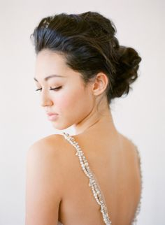 Subtle flawless bridal makeup look for a day wedding // 10 Timeless Bridal Hair and Makeup Styles from Beauty Expert Candy Tiong Wedding Hair And Makeup, Bridal Makeup, Hair Makeup, Makeup Hairstyle, Hairstyle Pics, Makeup Tips, Chignons Rock, Beauty Shoot, Hair Beauty