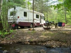 Full-Time RVing: How to Downsize Your Home to an RV : Excellent article on how to down-size your belongings in preparation for full time RV living (also good advise if moving to a smaller place) Camping Ideas, Go Camping, Camping Hacks, Rv Hacks, Luxury Camping, Camping Stuff, Camper Life, Rv Campers, Rv Life