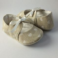 little bow white hearts. Baby shoe by DottyRobin on Etsy