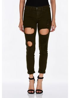 A dope pair of skinny jeans with awesome holes and distressing to build a trendy outfit. Stretchy...