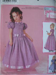 Simplicity 5339 Daisy Kingdom Child's Dress por SewCreativePatterns