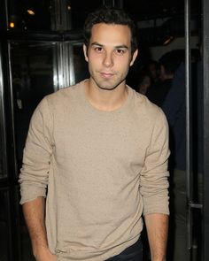 Skylar Astin,so freakin cute, can sing, is funny and looks like he could be Dane cooks younger brother. Love him