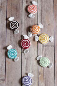 Valentine Candies - The Cookie Snob Crochet Food, Crochet Crafts, Yarn Crafts, Crochet Ornaments, Crochet Projects, Crochet Keychain Pattern, Crochet Patterns Amigurumi, Baby Knitting Patterns, Crochet Stitches