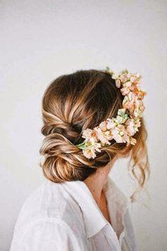 Invitatii de nunta   Nuptialis: Coafura de mireasa – Coronita cu flori