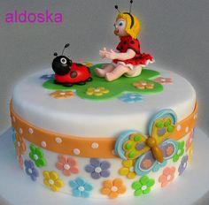 Ladybug - by aldoska @ CakesDecor.com - cake decorating website