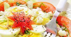 Taka sałatka jest sycąca, ale jednocześnie lekka, może być świetną przekąską- ale i obiadem, sprawdzi się zwłaszcza w upały. Skł... Caprese Salad, Food, Essen, Meals, Yemek, Insalata Caprese, Eten