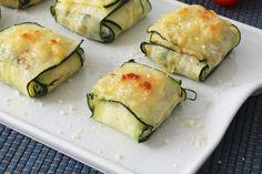 Raviolis de calabacín rellenos de queso ricotta, espinacas y piñones tostados. Una receta saludable, fácil y vistosa. Perfecta como aperitivo o primer plato