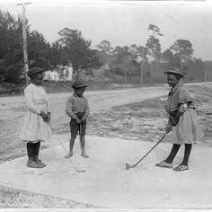 Picking up the golf game early. Way to go!  Photo courtesy of the Library of Congress.  #USHistory #History #ancestry #genealogy #familyhistory #heritage #roots #ancestors #WorldHistory #savefamilyphotos  #family #familytree #vintage #memories