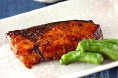 ブリのバター照り焼きのレシピ・作り方 - 簡単プロの料理レシピ | E・レシピ