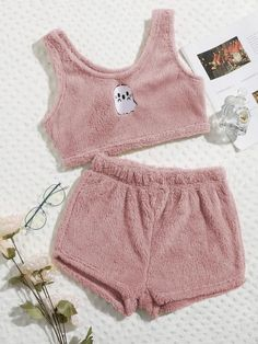 Cute Lazy Outfits, Swag Outfits For Girls, Teen Girl Outfits, Girls Fashion Clothes, Pretty Outfits, Fashion Outfits, Cute Pajama Sets, Cute Pjs, Cute Pajamas