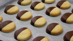 Εύκολα Μπισκότα με ζαχαρούχο γάλα (Μπισκότα με 3 ΜΟΝΟ ΥΛΙΚΑ) - 3 Ingredient Biscuits - YouTube Greek Sweets, Doughnut, Biscuits, Cheesecake, Youtube, Desserts, Food, Crack Crackers, Tailgate Desserts