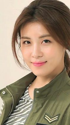 Ha Ji Won Photo Collections ... Ideal Beauty, Cute Beauty, Korean Beauty, Asian Beauty, Han Ji Won, Asian Celebrities, How To Pose, Beautiful Asian Girls, Pretty Face