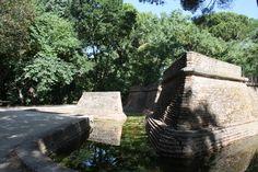 La Ruina y el Fortín se encuentran ubicados dentro del madrileño parque de El Capricho, que fue construido entre 1787 y 1839 por la duquesa de Osuna. #historia #turismo
