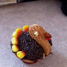 Turkey Cupcakes!!! Cute Thanksgiving great!!!