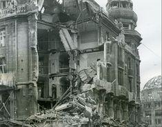 Hotel Der Fürstenhof am POtsdamer Platz nach den ersten Bombentreffern (November 1943)