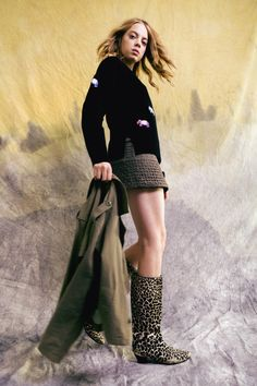 Nicole Miller Pre-Fall 2021 Collection - Vogue Knit Fashion, Boho Fashion, Fashion Beauty, Fashion Show, Fashion Design, Nicole Miller, Vogue Paris, Fashion Updates, Fashion Trends