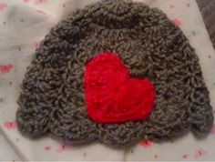 Tones of Home Ky: Free Crochet Pattern: Shell Hat with Heart