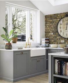 Exposed brick kitchen brick wall kitchen ideas the best exposed brick k Country Style Kitchen, Kitchen Cabinet Design, Home Decor Kitchen, Luxury Kitchens, Kitchen Flooring, Kitchen Design, Brick Wall Kitchen, Kitchen Remodel, Brick Kitchen