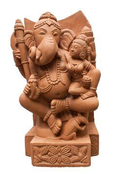 Dieser schöne Ganesha ist hier in Begleitung von Shakti. Shakti verkörpert die weibliche Energie und     ist in der indischen Mythologie die Energie die Dynamik. Ganesha ist eine der beliebtesten Gottheiten des Hinduismus. Er wird...