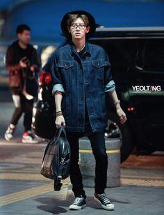 #Chanyeol #Park #EXO #Airport #Fashion #Glasses #hat #GrayHair